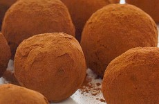 Čokoladni truffles sa čilijem (čokoladni tartufi)